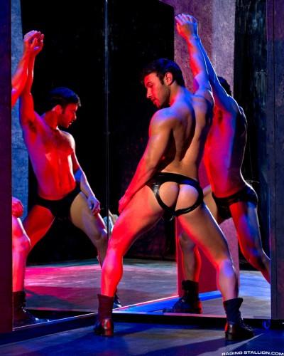 muscle-muscular-butt-ass-men-man-hunks-studs-horny (10)