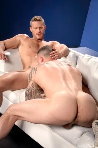 muscle-muscular-butt-ass-men-man-hunks-studs-horny (2)