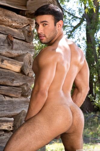muscle-muscular-butt-ass-men-man-hunks-studs-horny (8)