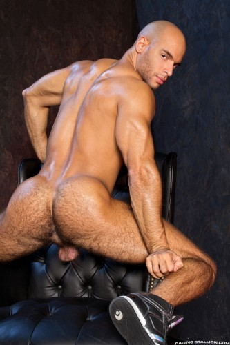 muscular-male-ass-naked-butt-men-nude-bubblebutt (3)