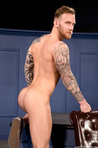 muscular-male-ass-naked-butt-men-nude-bubblebutt (4)