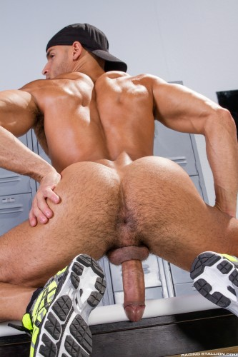muscular-male-ass-naked-butt-men-nude-bubblebutt (6)