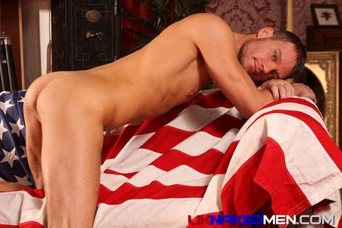 butt-naked-men-uk-euro-guys-ass-nude (1)