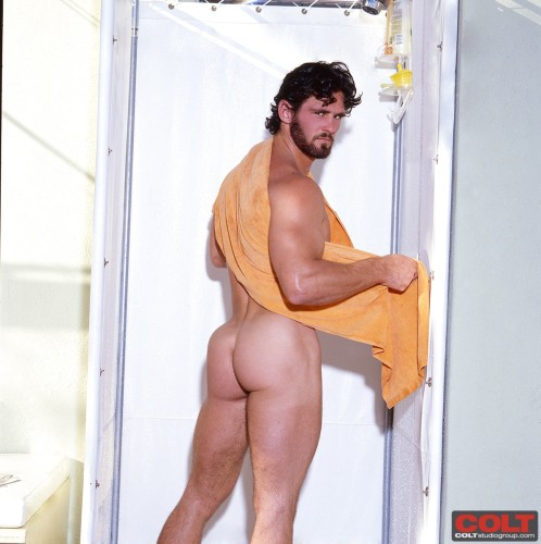 colt-male-butt-naked-men-ass-buttox-buns-bubble (3)